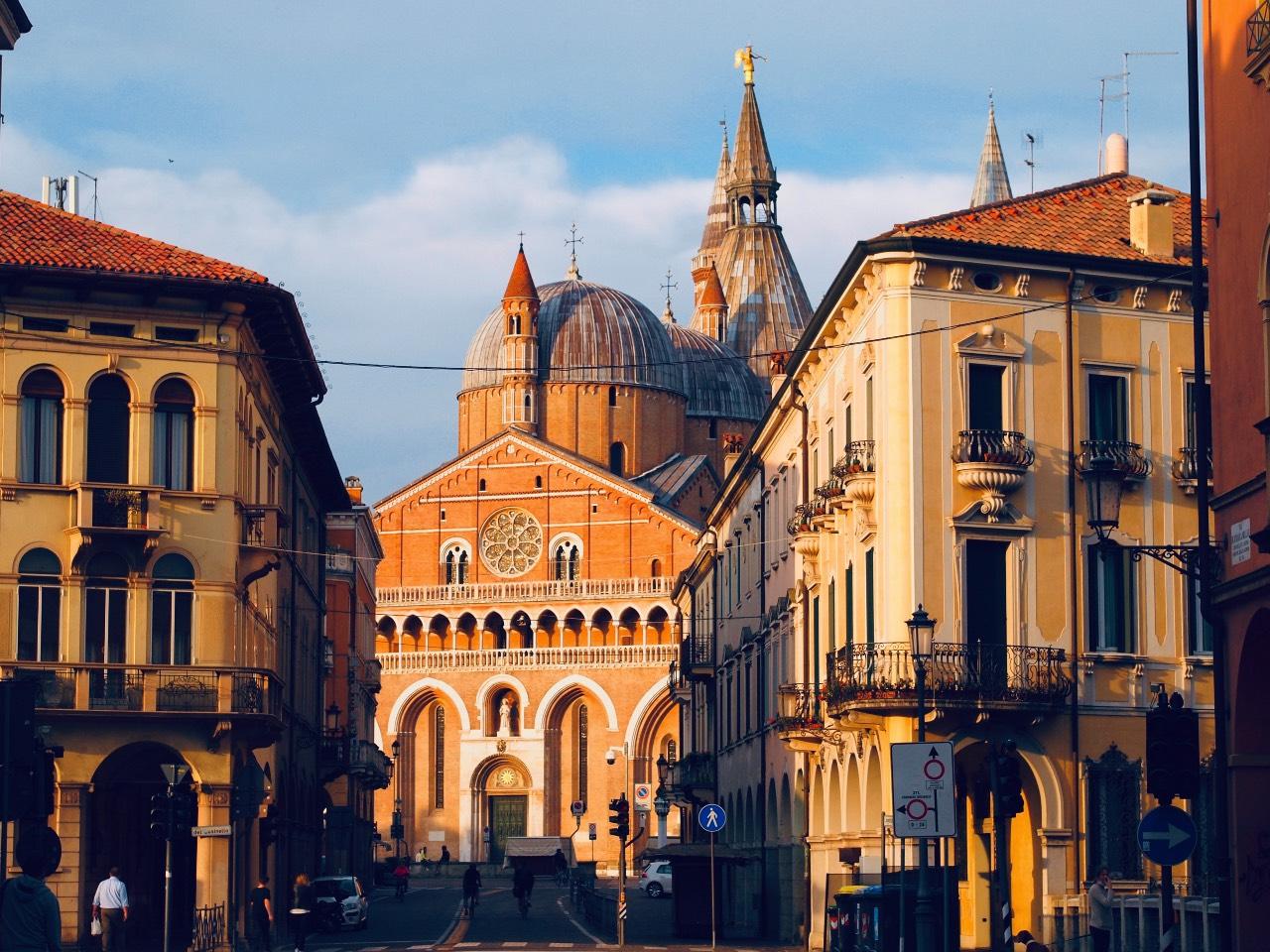 Padova foto di Stefano Segato-Unsplash